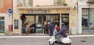 Italia talvella, itkua ja hampaittenkiristystä vaiko vain jälkimmäistä?